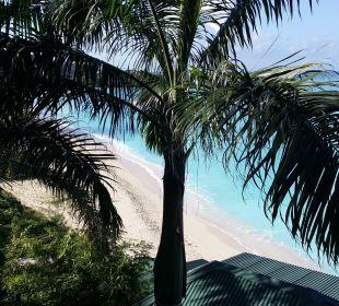Ausblick vom Oceanview-Bungalow Cocos Hotel