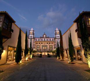 Eingang Lopesan Villa del Conde Resort & Spa