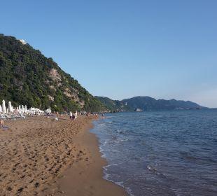 Der traumhafte Strand lti Grand Hotel Glyfada
