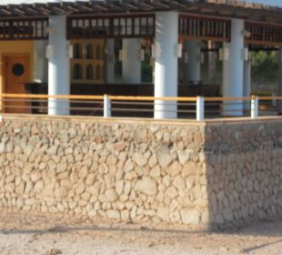 Nieczynny bar, chociaż w ofercie miał być czynny Strand Beach & Golf Resort Taba Heights