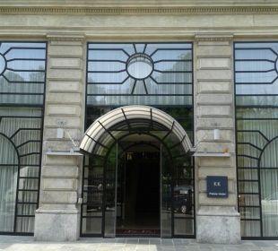 Hoteleingang K+K Palais Hotel