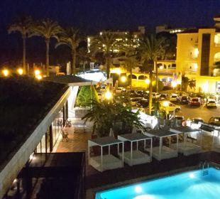 Ansicht bei Nacht Hotel Serrano Palace