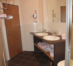 Großer Waschtisch im Bad Apartments Ferienparadies Alpenglühn