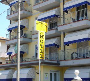 Am Eingang Hotel Fortunella