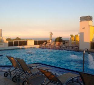 Der Pool auf dem Dach Hotel Eraclea Palace