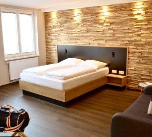 Zimmer Bett Hotel FIVE