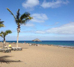 Strand vor dem Hotel VIK Hotel San Antonio