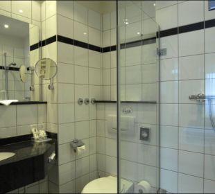 Badezimmer Dusche oder Wanne Astor und Aparthotel