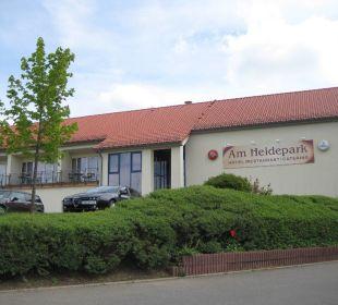 Blick zum Parkplatz Hotel Am Heidepark