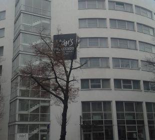 Aussenansicht Victor's Residenz Hotel Berlin Tegel