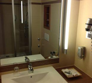 Badezimmer in Zimmer 333 Hotel Platzl