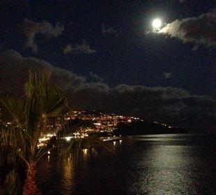 Ausblick auf Funchal bei Mondschein Hotel The Cliff Bay (PortoBay)
