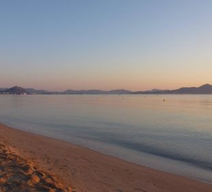 Strand im Morgengrauen JS Hotel Horitzó