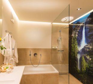 Erker-Familiensuite - Badezimmer Verwöhnhotel Berghof