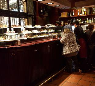 Pinchos- Tapas-Bar in der Nähe Hotel Ciutat de Barcelona