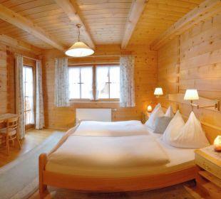 Jedes Schlafzimmer mit DU/WC, Sat-TV, Radio, Tel. Apartment Hotel Bio-Holzhaus Heimat