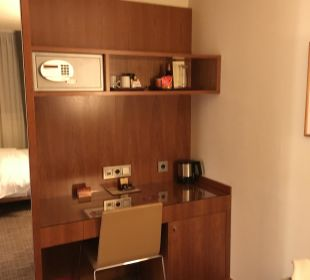 Schreibtisch K+K Hotel am Harras