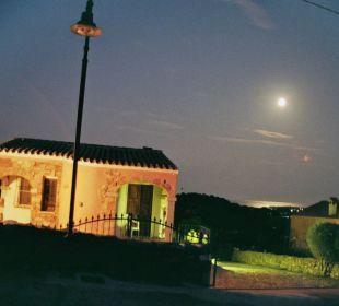 Dazu der gute Rotwein Sardafit Ferienhaus Budoni