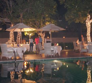Weihnachtsdinner am Pool Hotel Rest Detail Hua Hin