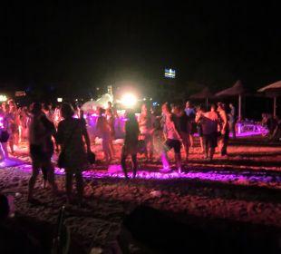 Beach-Party mit Schaumkanone