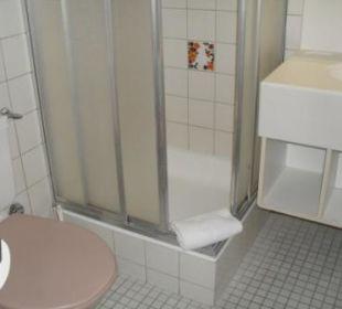 Badezimmer mit WC & Dusche