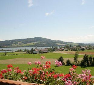 Blick vom Balkon auf den Obertrumer See Hotel Walkner