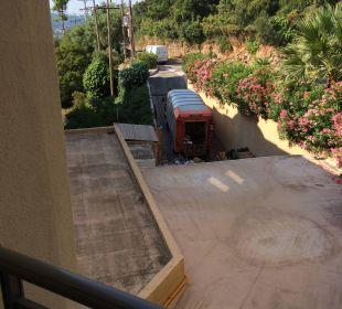 """Widok z pokoju """"na ulicę"""" - mało przyjemny widok Hotel Grecotel Eva Palace"""