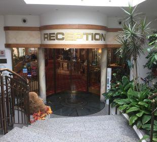 Eingang zu Hotellobby Ringhotel Krone Schnetzenhausen