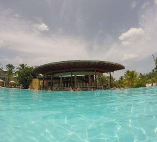 Pool Mit Bar  Dreams La Romana Resort & Spa