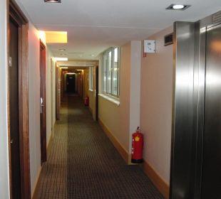 Gang vor Zimmer Hotel Novotel Wien City