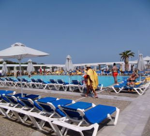 Unterer Pool AKS Annabelle Beach Resort
