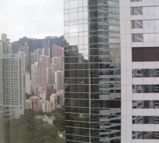 Blick aus dem Hotelfenster auf den Stadtteil Centr Conrad Hong Kong