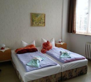 Bett welches zudem durchgelegen ist Hotel & Reiterhof an der Talsperre