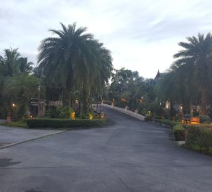 Einfahrt Hotel  Hotel Mukdara Beach Villa & Spa Resort