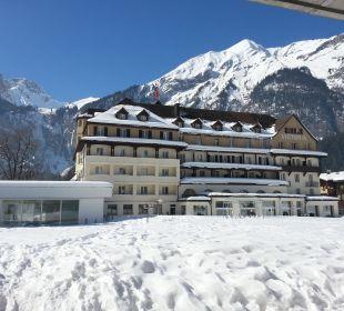 Achterzijde hotel, met zwembad Belle Epoque Hotel Victoria