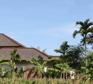 Rumah Isah - Außenansicht  Nusa Indah Bungalows & Villa