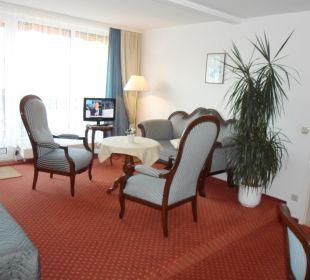 Suite/ Wohnzimmer mit Balkon Gästehaus Linde