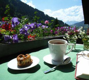 Kaffeegenuss am Balkon Ferienwohnung Winkler