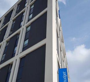 Das Hotel von außen Ibis budget Hamburg City