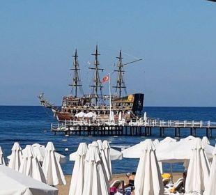 Piratenschiff am Strand Barut Arum