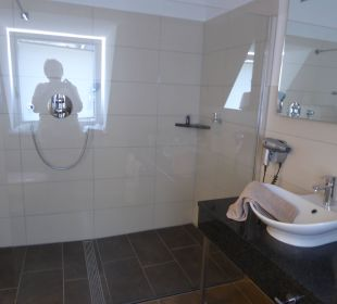 Große Dusche Hotel Weinhaus Mayer