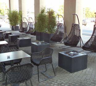 Außen Sitzzone Motel One Dresden am Zwinger