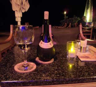 Abends Retsina geniessen Anthemus Sea Beach Hotel & Spa