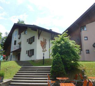 Die einzelnen Häuser sind im Rund angeordnet Dorint Sporthotel Garmisch-Partenkirchen