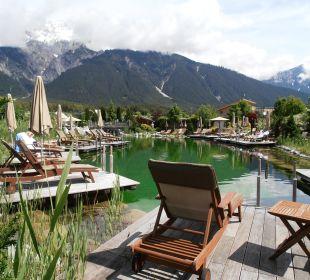 Badesee in der Hotelanlage Alpenresort Schwarz