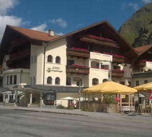 Hotel von außen Sportiv-Hotel Mittagskogel