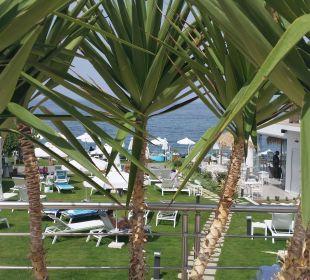 Blick vom Pool Richtung Strand  Hotel Golden Beach