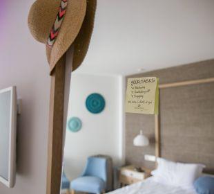 Post-It zur Begrüßung am Zimmerspiegel Mar Azul PurEstil  Hotel & Spa
