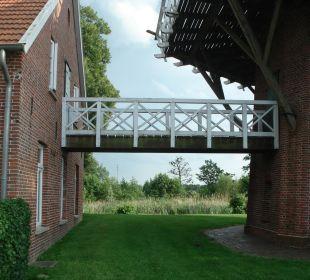 Steg zwischen Haupthaus und Mühle Landgasthof Hengstforder Mühle