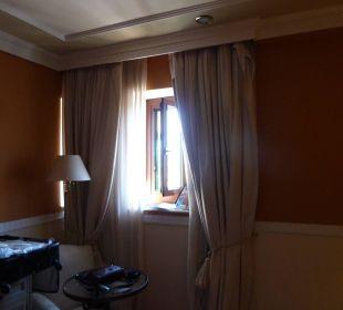 Kleinstfenster Hotel Alhambra Palace